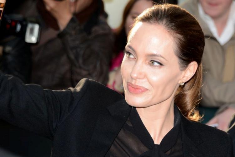 Angelina Jolie quits movie to avoid working with Brad Pitt