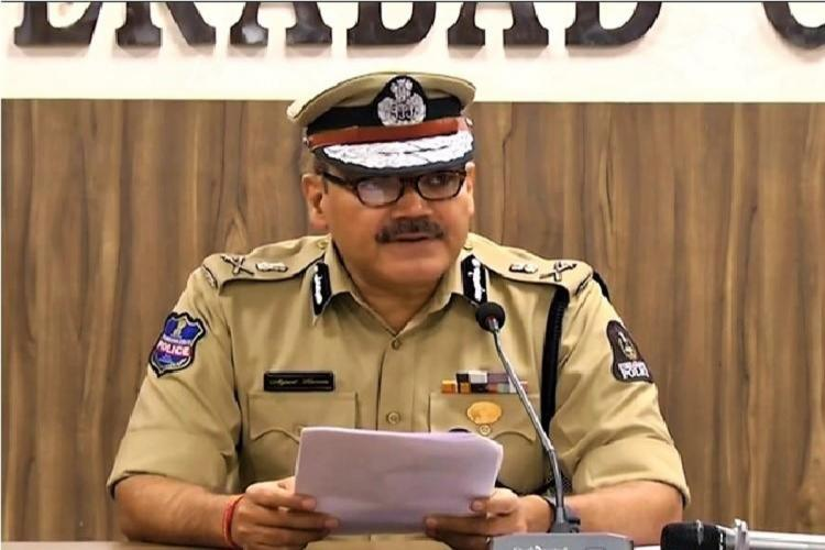 Hyderabad Commissioner of Police Anjani Kumar addressing the media