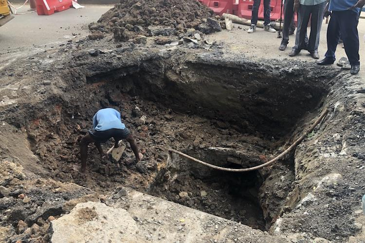 15-foot deep sinkhole appears on busy Shanthi Colony main road in Chennai