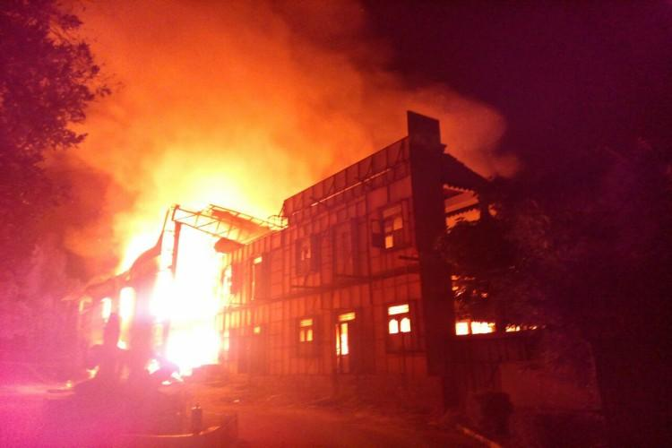 Nagarjuna's Annapurna Studios caught in a major fire incident, Manam sets destroyed