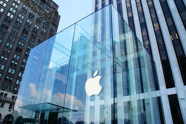 Apple trims 10 pc production plan for iPhones Report