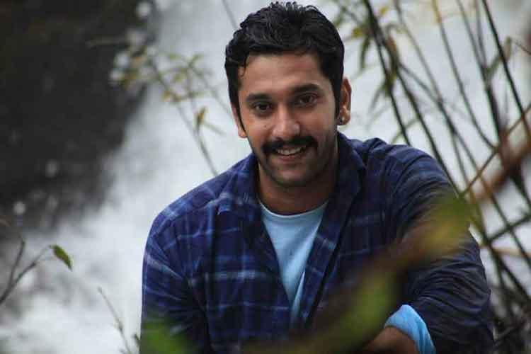 Arulnithi to play a college student in his next