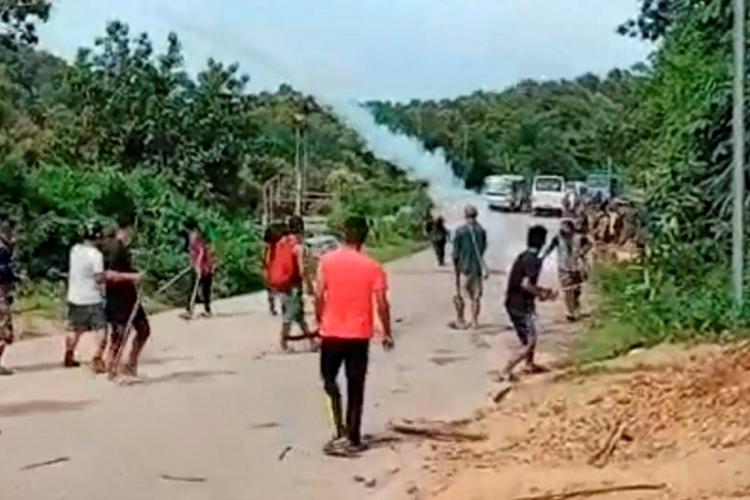 Cachar: Locals during a clash with police personnel at Assam-Mizoram border at Lailapur in Cachar district, Monday, July 26, 2021. 6 police personnel died and many were injured
