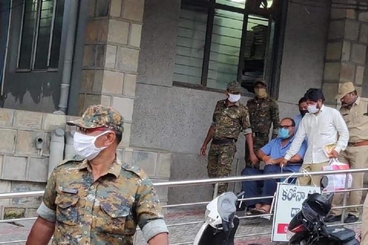 Former Andhra Pradesh Minister K Atchannaidu being arrested in Guntur