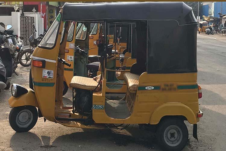 Auto drivers allegedly assault Bengaluru cop after argument over high fare