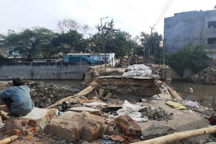 Tark-e-Muskarat bridge at Arampura destroyed in October floods remains unrepaired