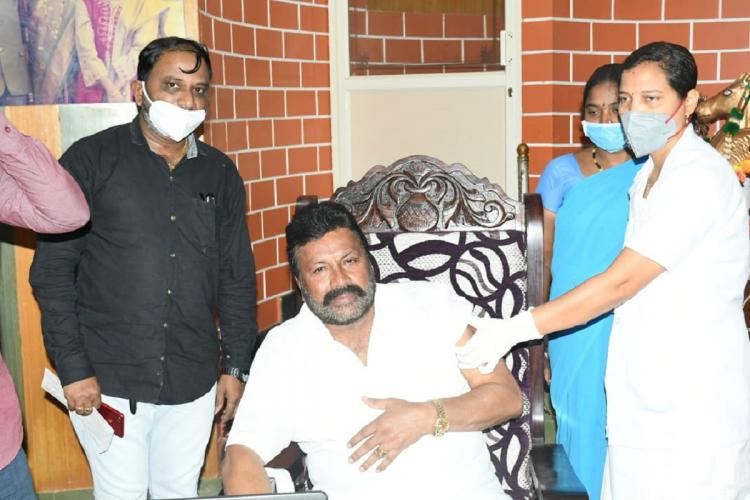 Karnataka Minister BC Patil getting vaccinated at home
