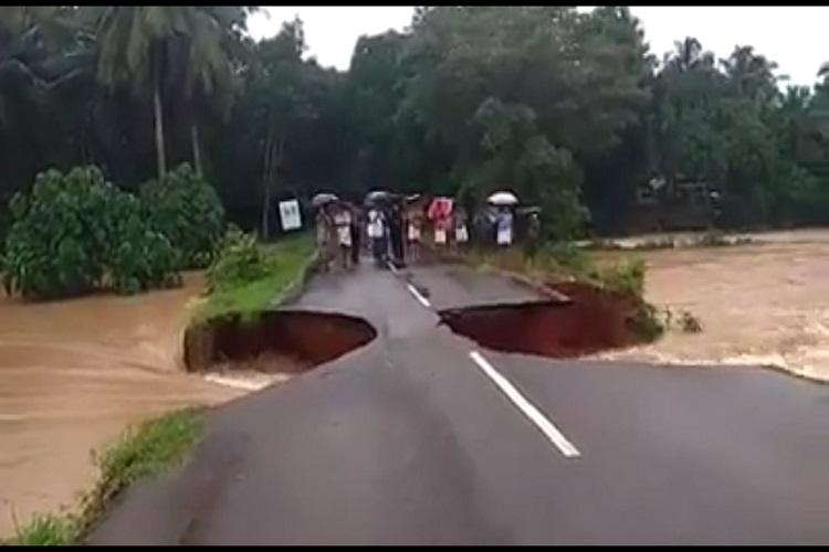 Remember Kerala road that crumbled in the rains Army builds makeshift bridge over it