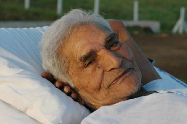 Google remembers social activist Baba Amte on his 104th birth anniversary