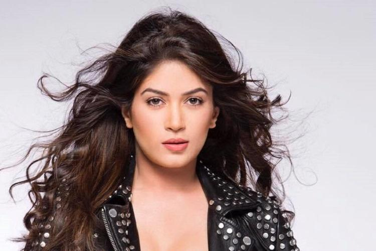 Bigg Boss contestant Bandgi Kalra booked for fake iPhone ad on Instagram