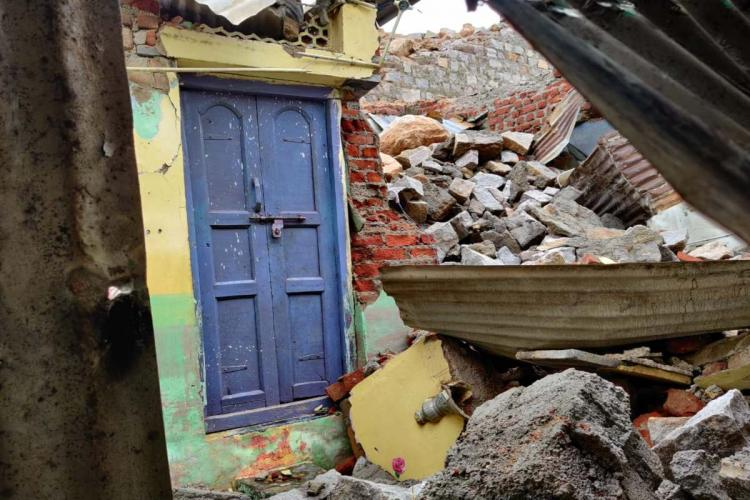 8 killed in wall collapse in Hyderabad