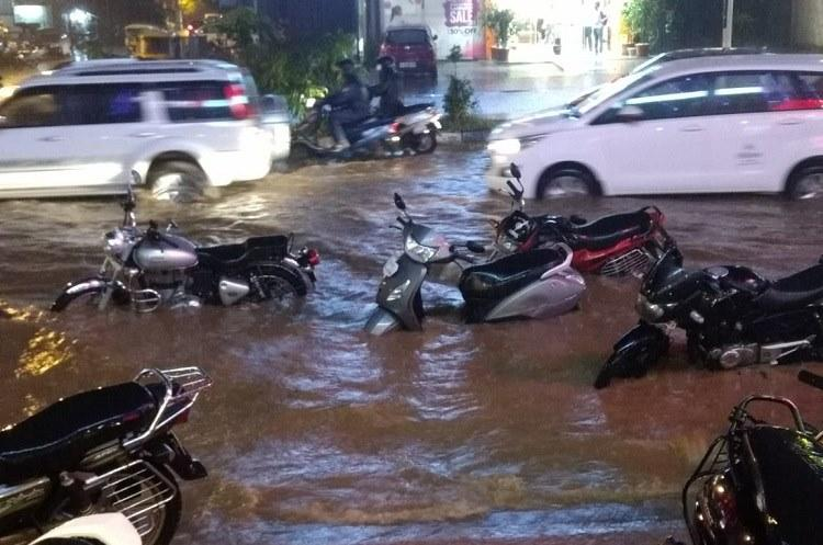 Many parts of Bengaluru inundated after heavy rainfall massive traffic jams in city