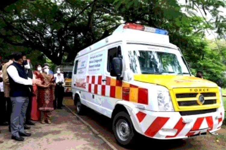 Representative image of an ambulance being inaugurated by Health Minister for COVID-19 patients