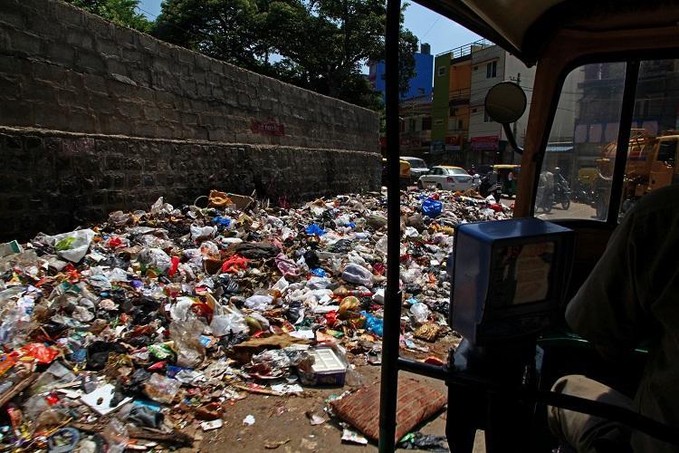 Ktaka HC proposes BBMP disposes Pothole garbage-free Bluru remains distant dream
