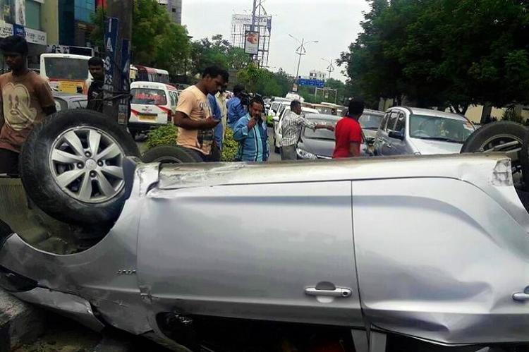 One killed in Hyderabad as overspeeding car hits divider and