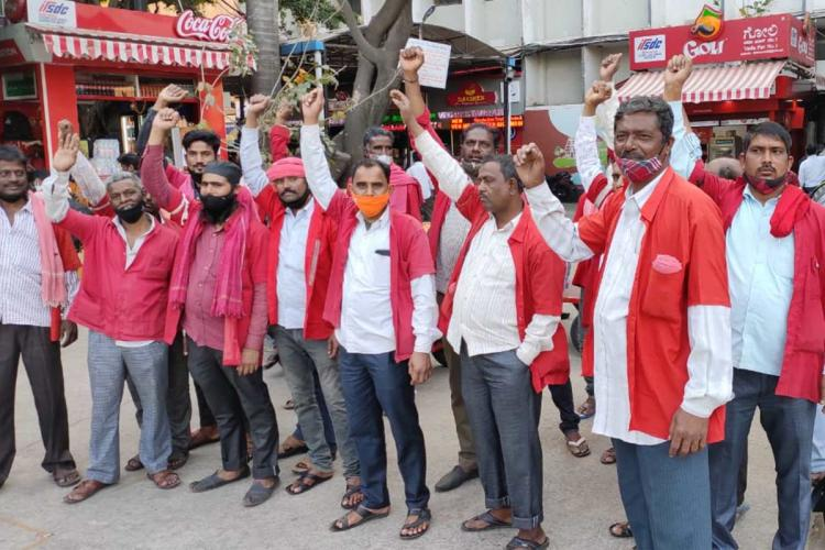 Bengalurus railway porters struggle to make ends meet during second wave