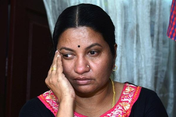Mother of Kerala girl missing in West Asia meets Pinarayi seeks probe
