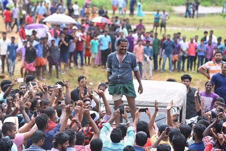 You dont mess with the lungi Keralas Bino Jose destroys competition in jeep race