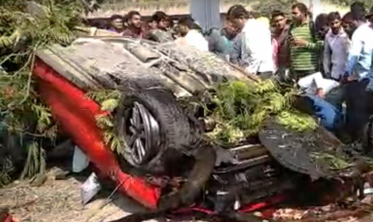 Woman killed, four injured as auto falls off Hyderabad's Biodiversity Park flyover