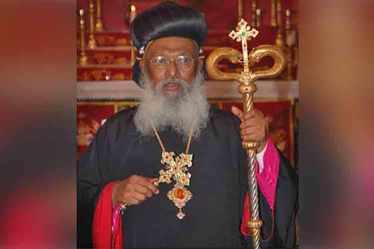 80-yr-old Kerala bishop Thomas Mar Athanasios falls from moving train dies in Kerala