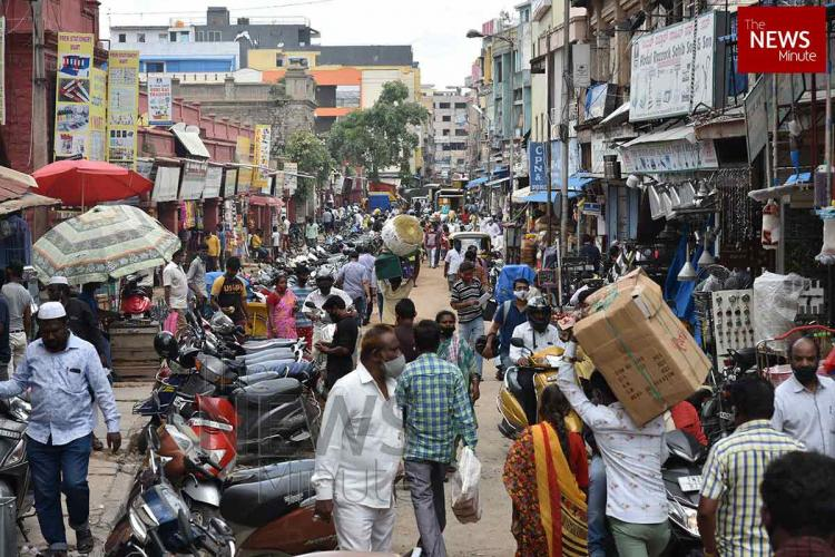 Crowding at KR Market in Bengaluru created congestion as lockdown restrictions were eased