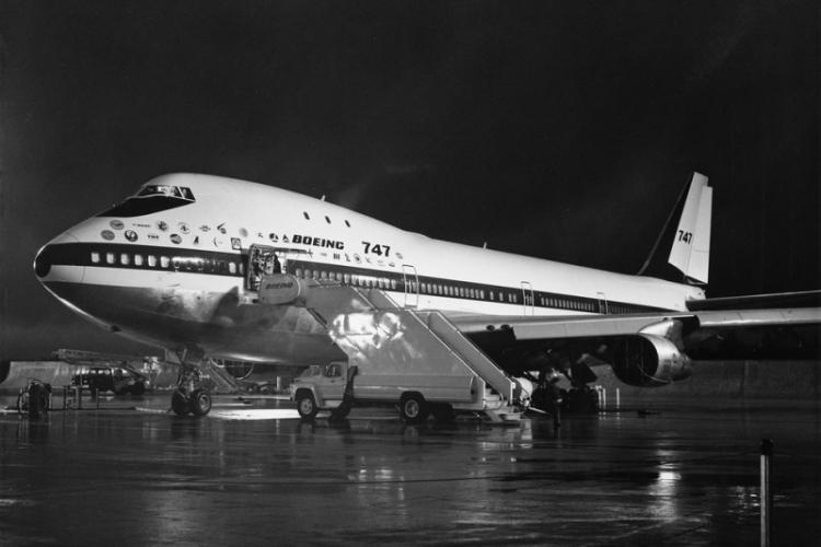Why the sun is setting on the Boeing 747