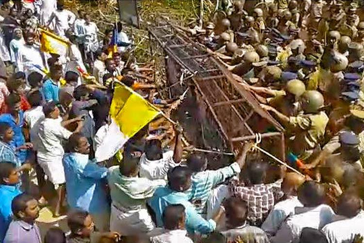 Keralas Bonacaud simmers again as police block believers from ascending hill