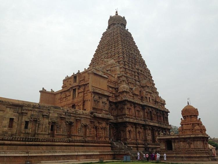 Missing 1000-yr-old Chola bronze idols return to TNs Brihadeeswarar temple