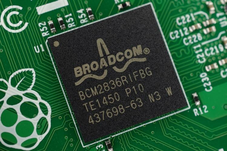Broadcom drops Qualcomm acquisition bid after Trump block