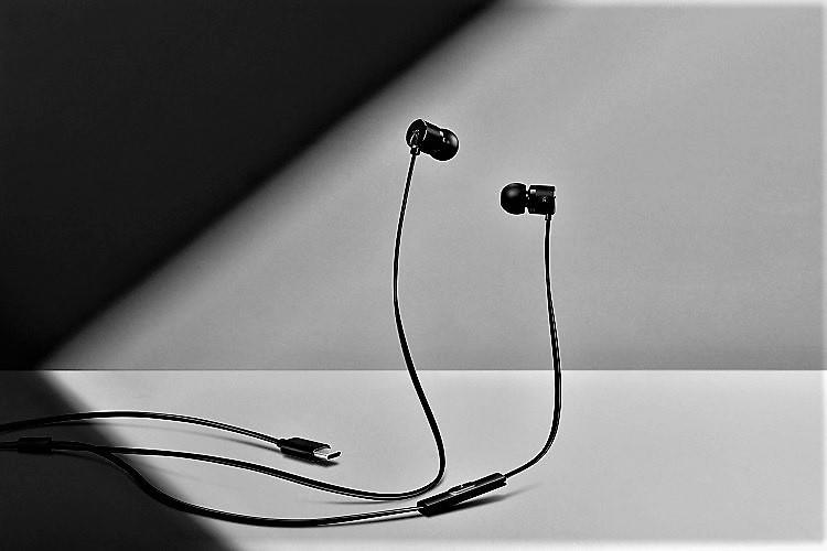 OnePlus to launch type-C earphones with next flagship kills off headphone jack