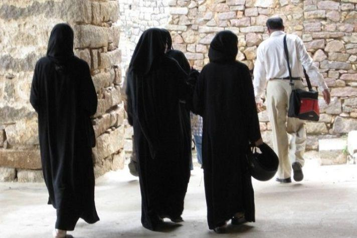 Centre approves ordinance criminalising instant triple talaq Five things to know