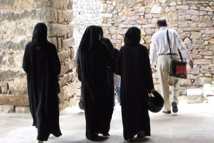 Indias Muslim women fight tradition and family for right to property