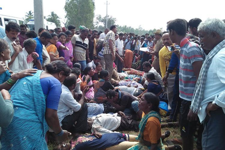 Hundreds turnout for cremation of 30 persons who died in Mandya bus tragedy