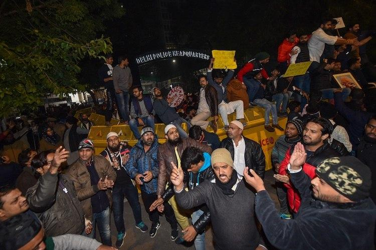 IIT-M to Jadavpur Uni Students protest across India after police crackdown in Jamia