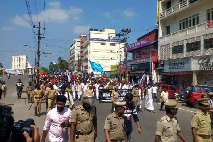 Hartal against CAA Sporadic violence in Kerala more than 200 detained