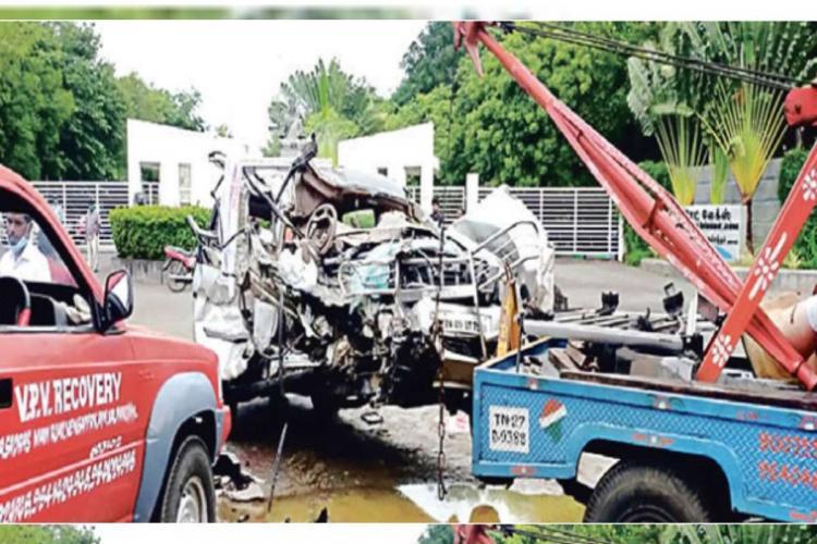 Four persons killed as truck rams car on East Coast Road near Chennai