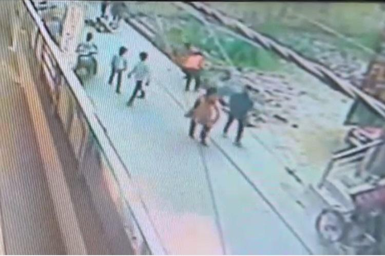 Delhi woman dies after being stabbed nearly 30 times by stalker on road no one helped