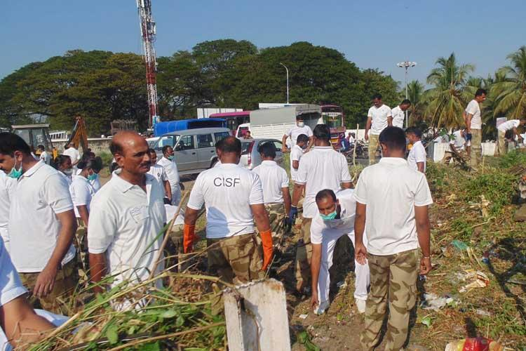 Say no to single use plastic CISF personnel hold plogging drive in Kochi