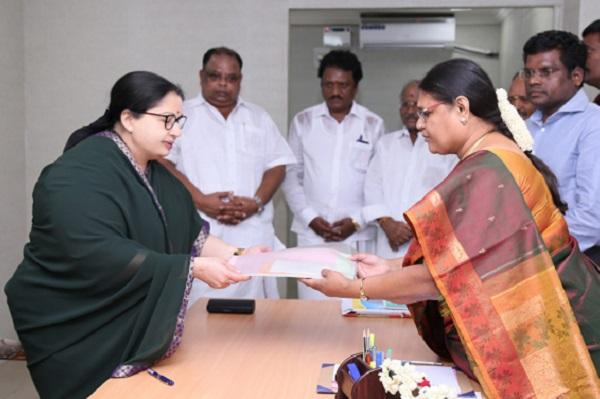 Jayalalithaa declares assets worth Rs 11373 crore files nomination from RK Nagar