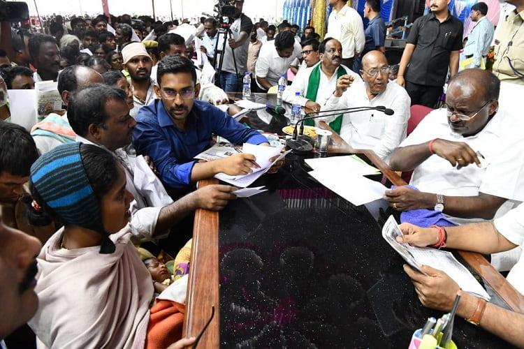 Karnataka CM Kumaraswamy kicks off village stay campaign First stop in Yadgir