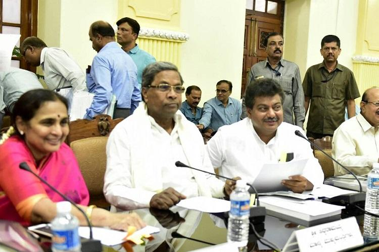Cauvery dispute Ktaka to oppose river mgmt board not to file review petition in SC