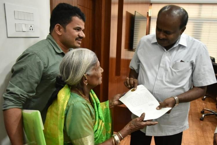 107-yr-old activist Thimakka convinces Karnataka CM to not chop trees for road widening