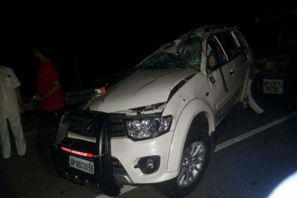 Former TDP Minister PV Rao injured wife and driver dead in road accident