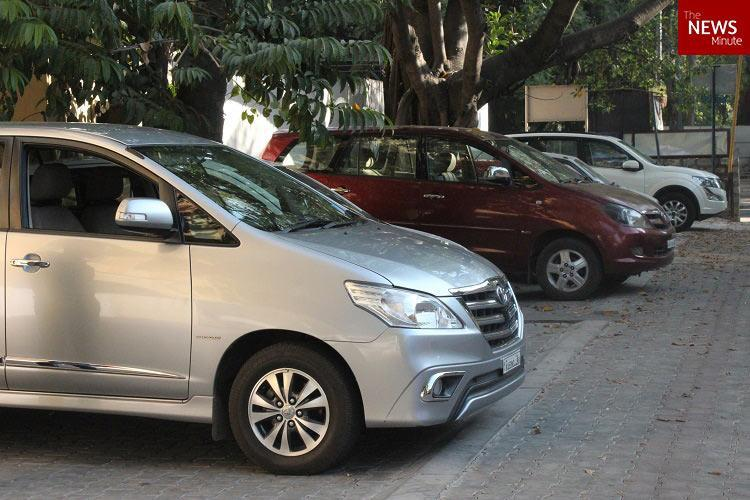 Law making roadside parking in Bengaluru chargeable may apply in a month