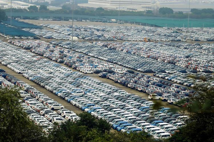 SC slams automobile dealers associations for violating order on sale of BS-IV vehicles