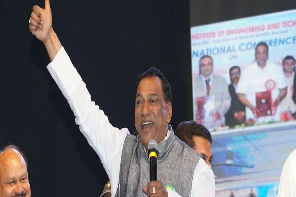 TDPs lone Lok Sabha member in Telangana joins TRS