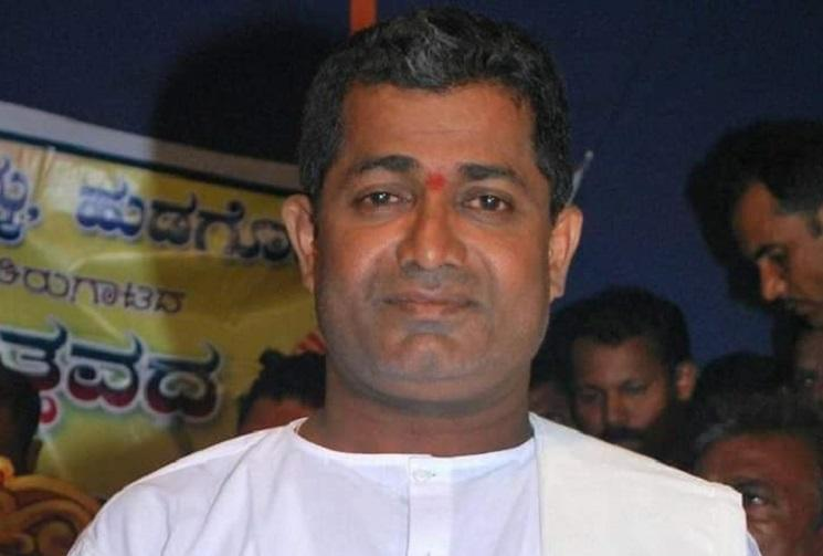 Yakshagana artist Chandrahasa Hudugodu dies while performing on stage in Udupi
