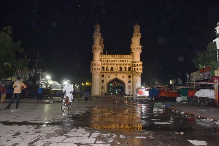 Hyderabads Charminar during COVID-19 night curfew in April 2021
