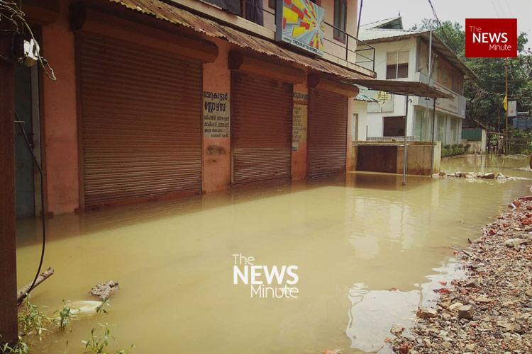 Kerala floods Water levels reduce in Chengannur some roads accessible
