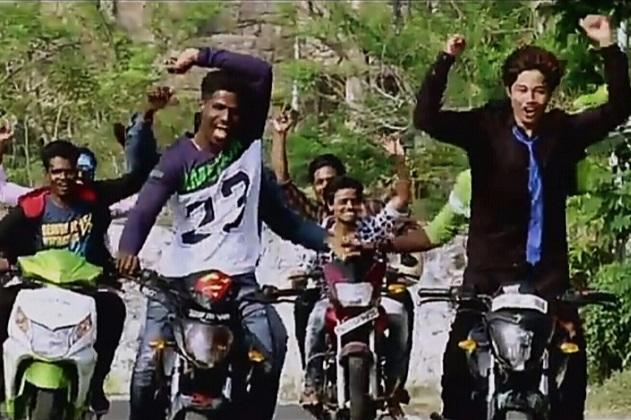 Did daddy get you an Audi Chennai Traffic Polices stylish gaana song for you boys